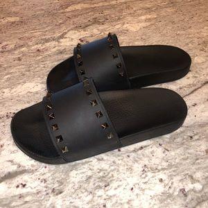 Valentino Garavani Rockstud Slide Sandals